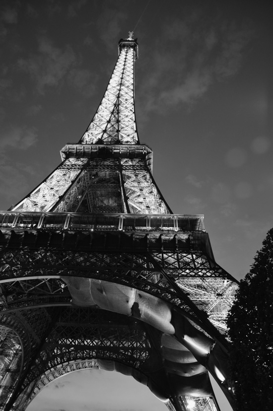 Eiffel Tower in Paris copyright Bob Borson 2010
