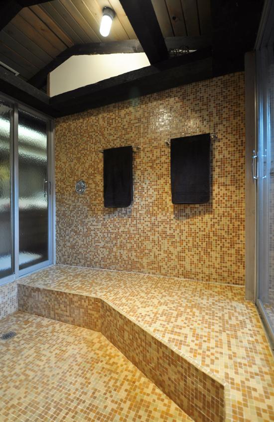 Towel Wall