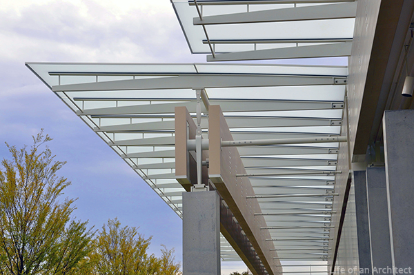 Renzo Piano Kimbell Museum front canopy