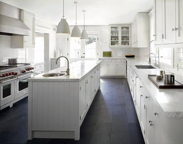 2010 12 winner Cynthia Carlson white kitchen
