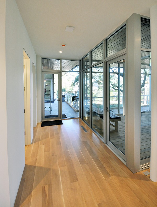KHouse Modern Hallway