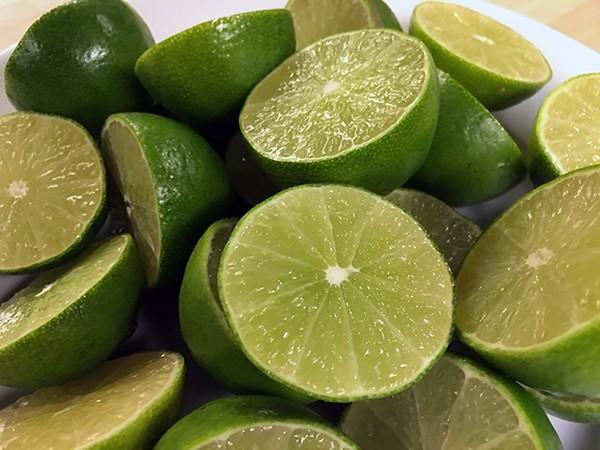 sliced limes